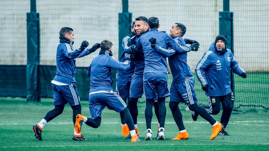 manchester-cfa-argentina-enjoying