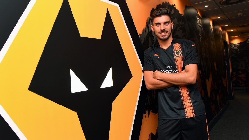 ruben-neves-signs-for-wolves