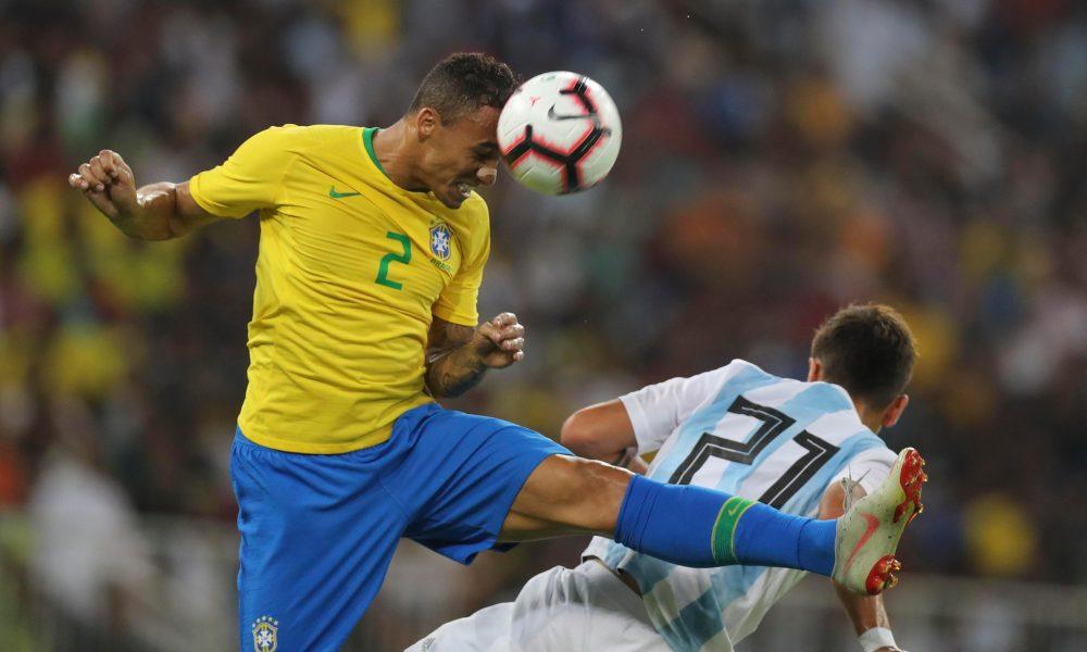 Danilo-ankle-injury-brazil-argentina-1000x600